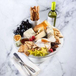פלטת גבינות<br> (מתאימה ל-15/30סועדים)